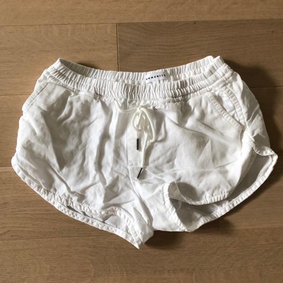 "Community ""Habitus"" Linen Shorts"